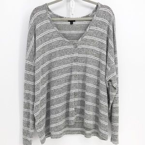 Torrid Grey & White  Button Up Hacci Top  3